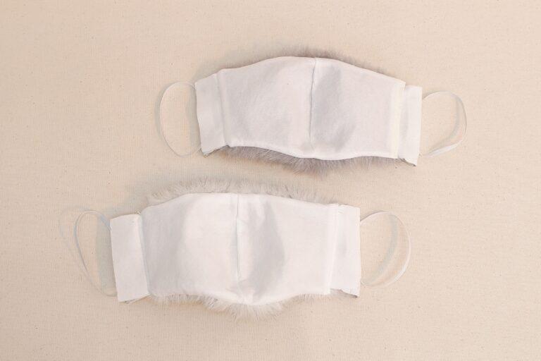 フェイクファー立体不織布マスク 本革製イヤーハング付き Lサイズ