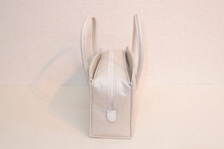アオリ式利休ハンドバッグ 箔転写帆布 ホワイト