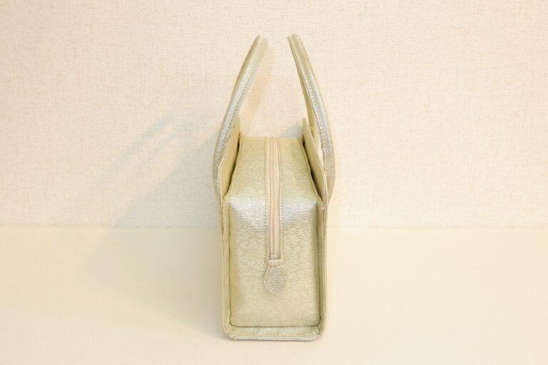 アオリ式利休ハンドバッグ 金糸絹織物 ホワイトゴールド